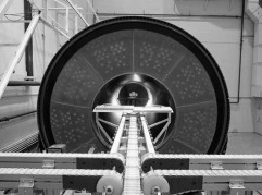 Launch rocket containing solid fuel undergoing high-energy X-ray/LDA digital inspection