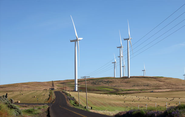 Industrial wind turbine installation for power generation